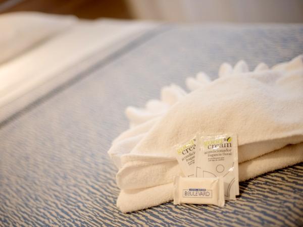 toallas en la habitación